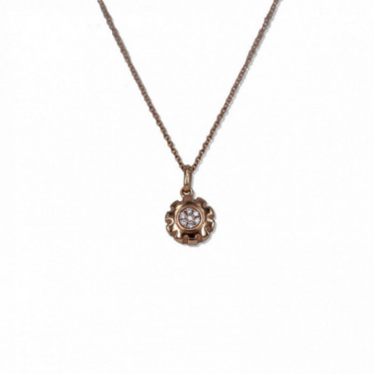 STAR NECKLACE WITH DIAMONDS IN THE CENTER