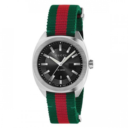 GUCCI DIVE WATCH YA142305