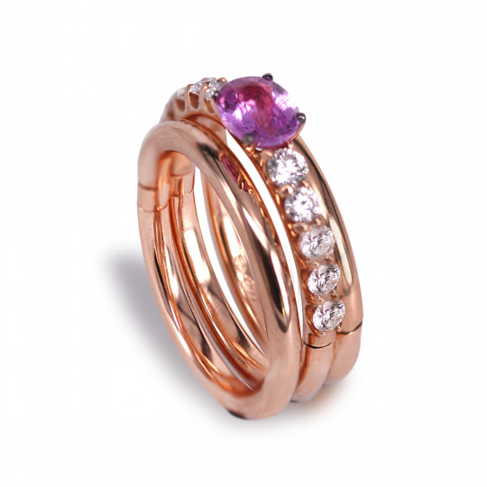 THREE-RING RING JOINED WITH DIAMONDS AND PINK SAPPHIRE