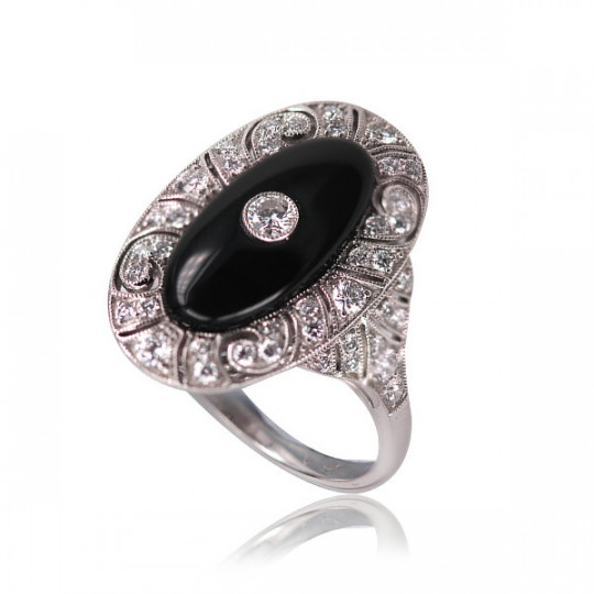 ONYX OVAL RING AND DIAMONDS