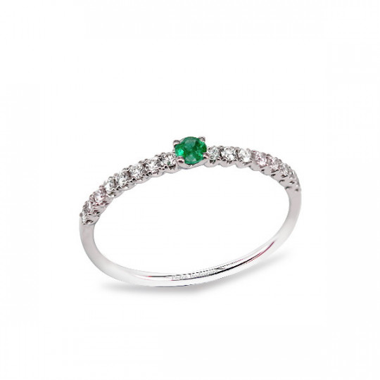 RING WITH EMERALD AND WHITE GOLD DIAMONDS