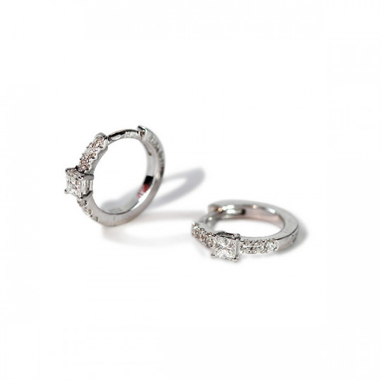 MINI HOOP EARRINGS WITH DIAMONDS