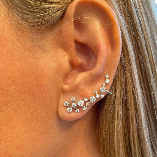 WHITE GOLD AND DIAMOND CLIMBER EARRING