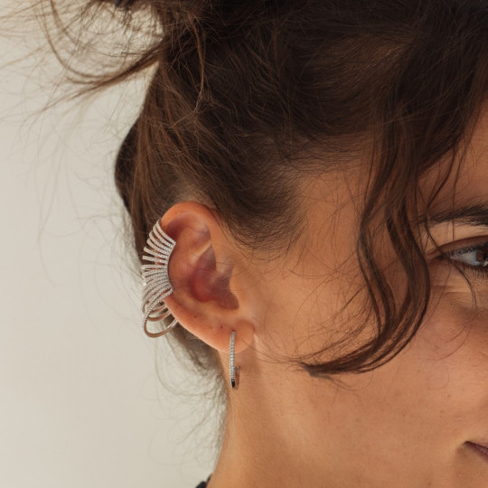 CLIMBING EARCUFF IN SILVER AND ZIRCONS