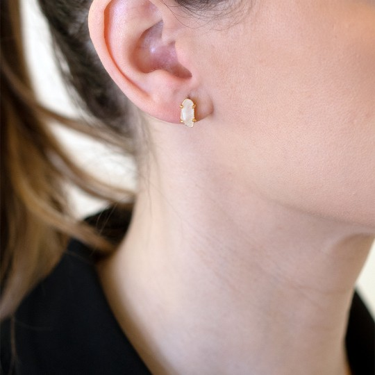 GOLDEN EARRINGS WITH WHITE STONE