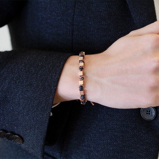 ROSÉ SILVER CORD AND CUBE BRACELET