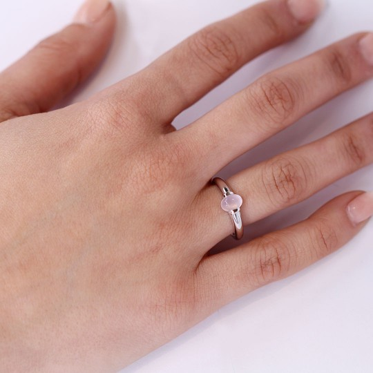 RING IN WHITE GOLD AND ROSE QUARTZ