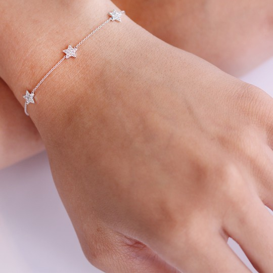 VERY FINE CHAIN BRACELET WITH STAR DETAIL