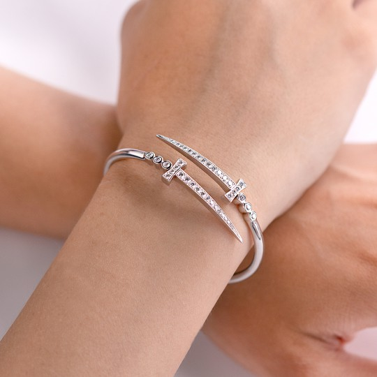 BRACELET WHITE GOLD SWORDS AND DIAMONDS