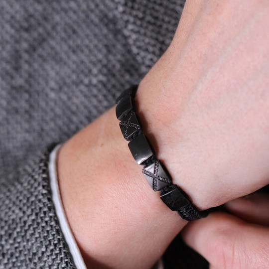 BRACELET MADE OF RUTHENIUM THREAD WITH DIAMONDS