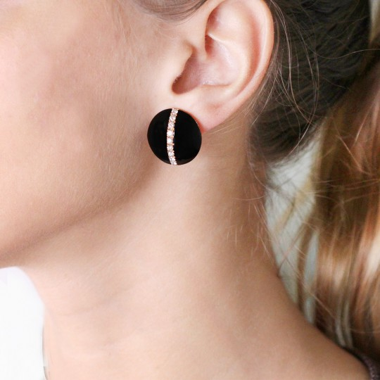 SHORT ONYX AND BRILLIANT EARRINGS