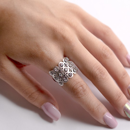 SILVER RING WITH CRIMPED ZIRCONIA