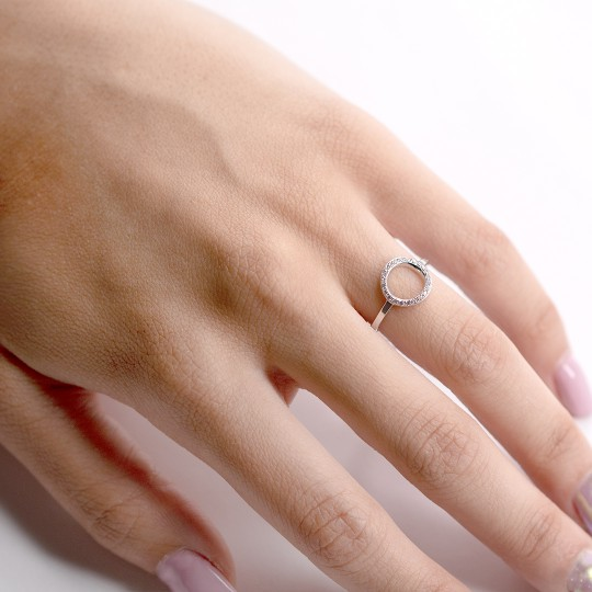 CIRCLE RING WITH ZIRCONIA