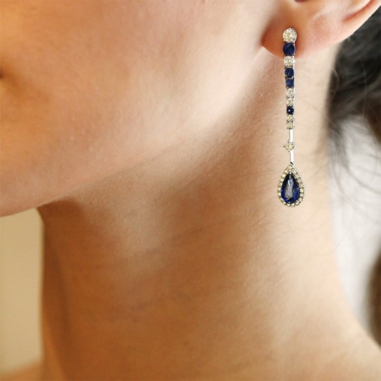 LONG EARRINGS OF DIAMONDS AND SAPPHIRES