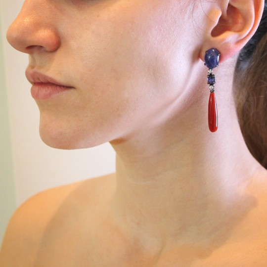 LONG TEARDROP EARRING